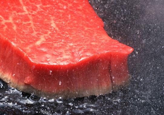 牛肉を食べてセロトニンを増やす